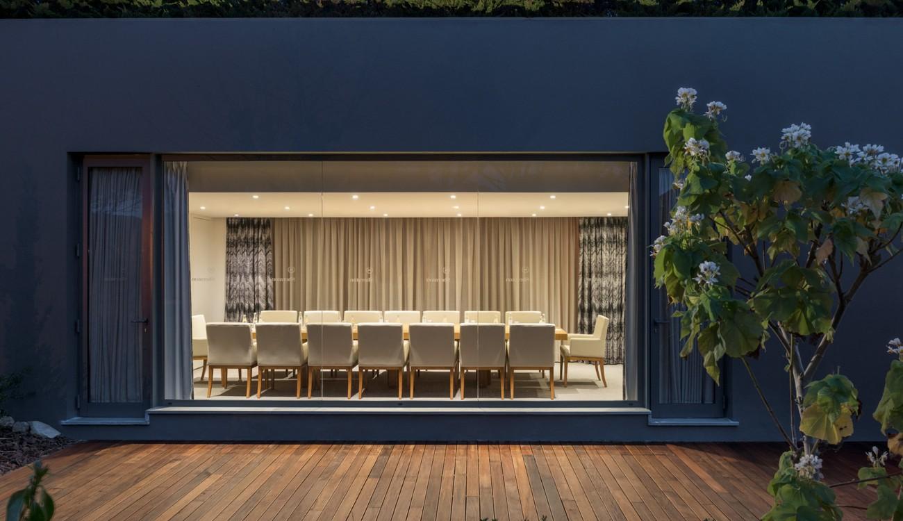 Sala de reunião com terraço